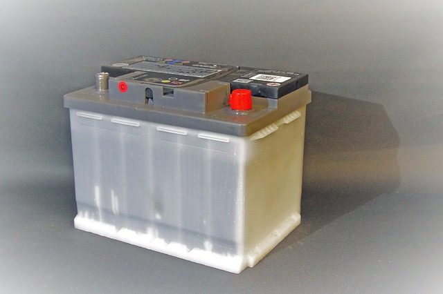 акумулатор с мокри клетки