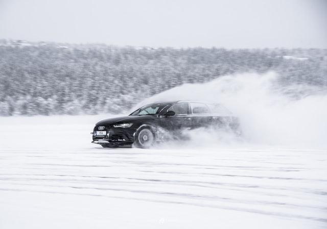 дрифт по снега